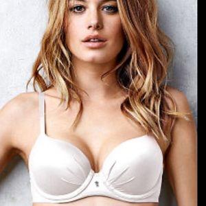 Victoria's Secret 36C Fabulous Lined Demi bra
